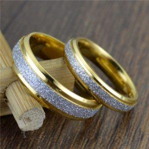 Model Cincin Tunangan Emas