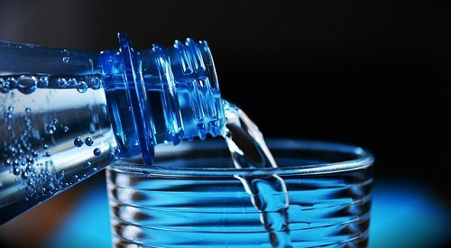 Membangun Pabrik Air Minum Dalam Kemasan dengan Skala Kecil
